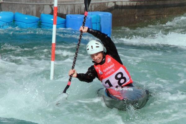 Leipzigerin Cindy Pöschel mit drittem Platz bei Kanuslalomweltcup in Cardiff