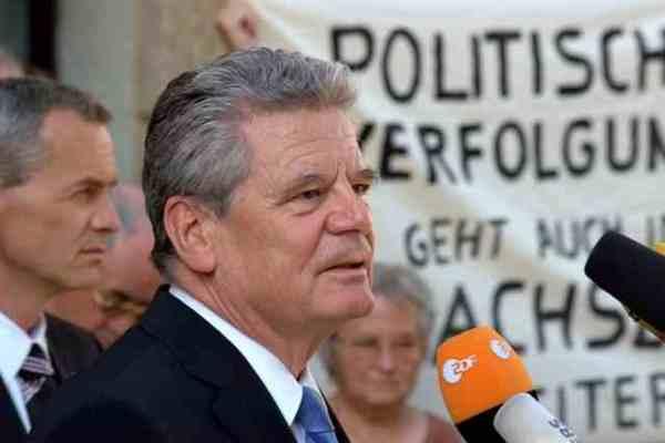 Rostock ernennt Bundespräsident Gauck zum Ehrenbürger