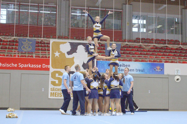 Cheerleadernachwuchs trifft sich in Berlin zur Deutschen Meisterschaft